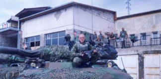 Insiden di bandara pristina 1999. Pasukan Perancis dan persenjataannya.