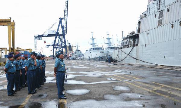 Keberangkatan 9 KRI Komando Armada RI Kawasan Barat dalam Latihan Gabungan TNI 2013.