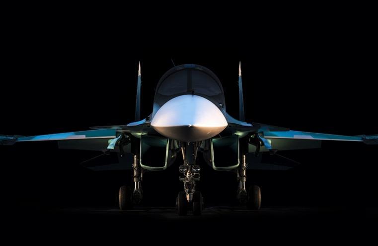 NATO memberi kode Fullback untuk Sukhoi Su-34 ini.