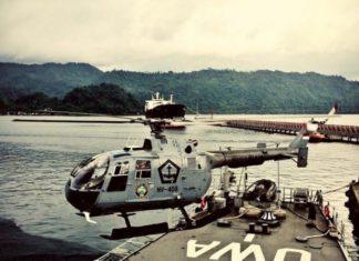 Helikopter NBO-108 lepas landas dari geladak KRI OWA.