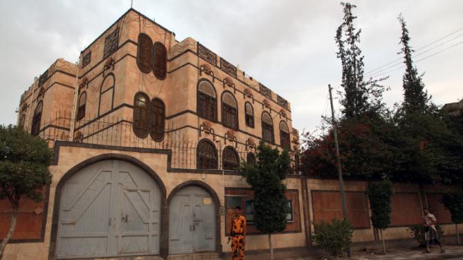 8-iran-tuduh-arab-saudi-bom-kedutaannya