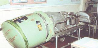 Radar Sukhoi N001 Myech. penghuni hidung Su-27 Flanker.