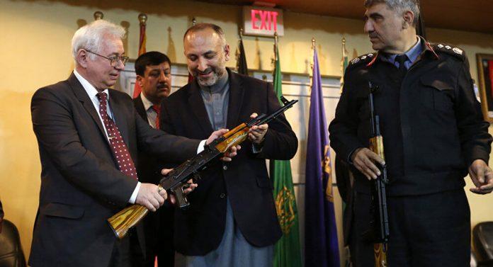 56-rusia-hadiahkan-10000-senjata-ak47-kepada-afghanistan