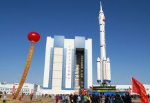 90-tiongkok-luncurkan-110-roket-antariksa-long-march