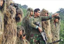 Instruktur Penembak Runduk Paskhas dengan Senjata Sniper AX308