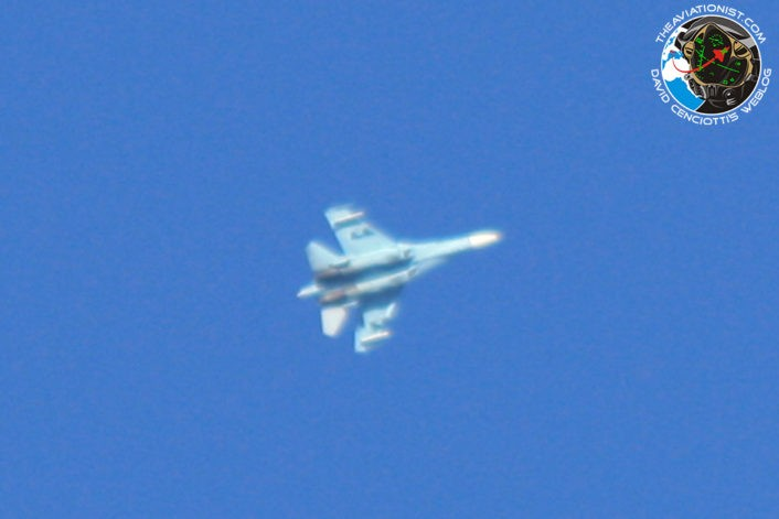 Dog Fight F-16 VS Su-27 Diatas Area 51.