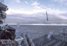 Rudal Sea Ceptor Saat Diluncurkan Pada Uji Tembak Dari HMS Argyll