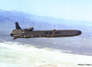 Rudal AGM86B ALCM, platform rudal yang mampu bawa sistem senjata CHAMP.