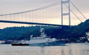 Korvet - Korvet AL Rusia Masuki Laut Mediterania